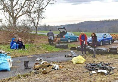FOTO: Více než padesát lidí pomáhalo při jarním úklidu přírody v okolí Žiželic