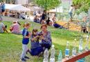 Děti i dospělí si užili zábavný den a nové hřiště už začalo sloužit sportovcům